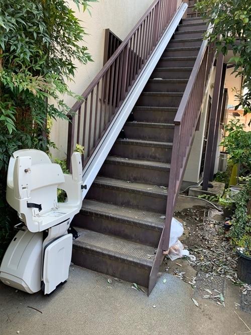 屋外 階段昇降機