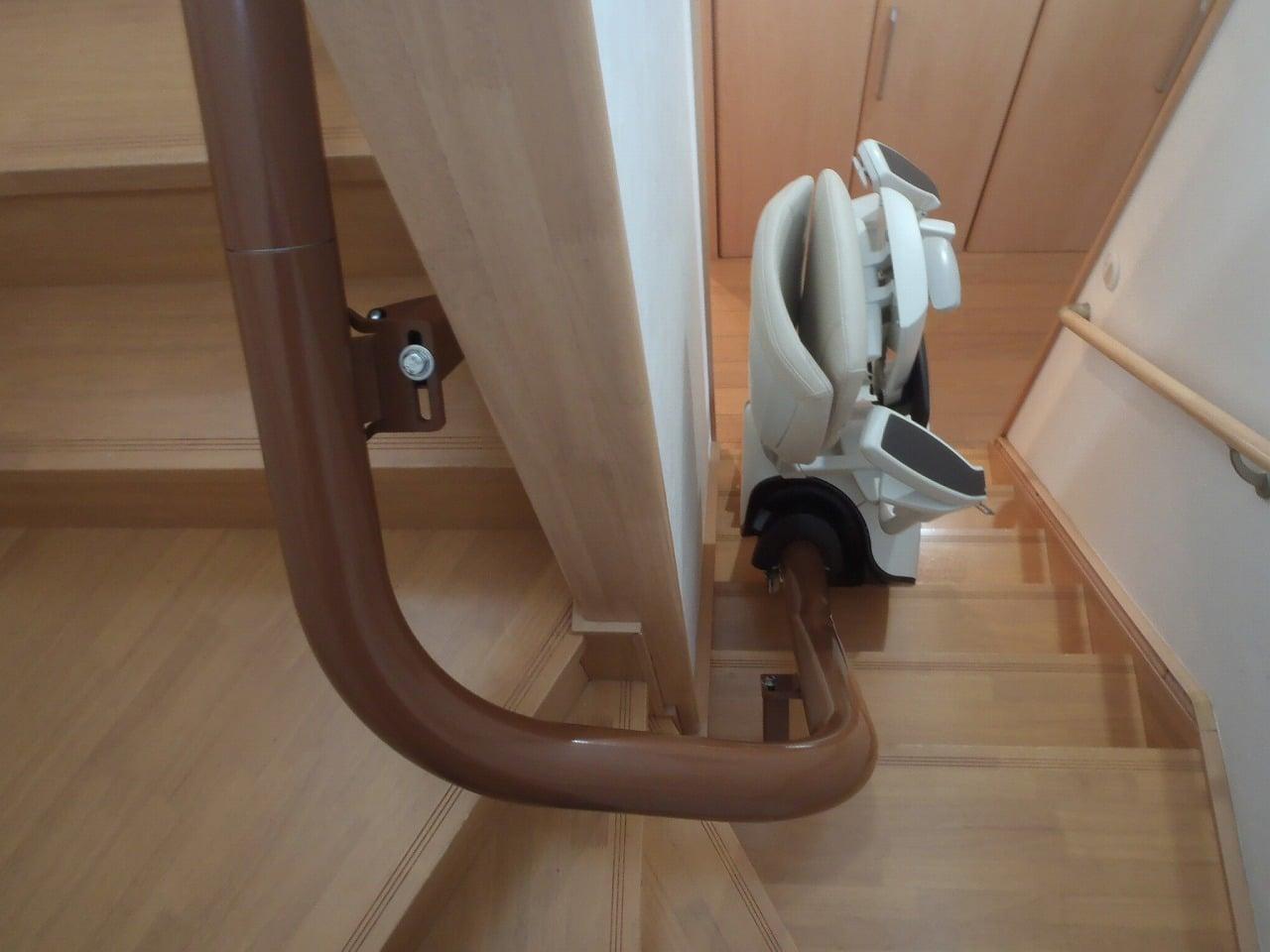 階段昇降機(曲げ)