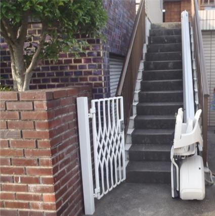 設置後(階段リフト)