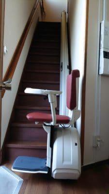 階段昇降機(下階)